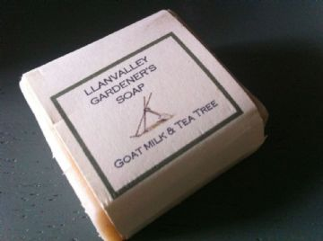Gardeners Goatsmilk Soap with Tea Tree